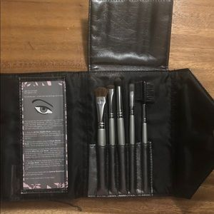 Quo THE SMOKY EYE brush sets (set of 5)